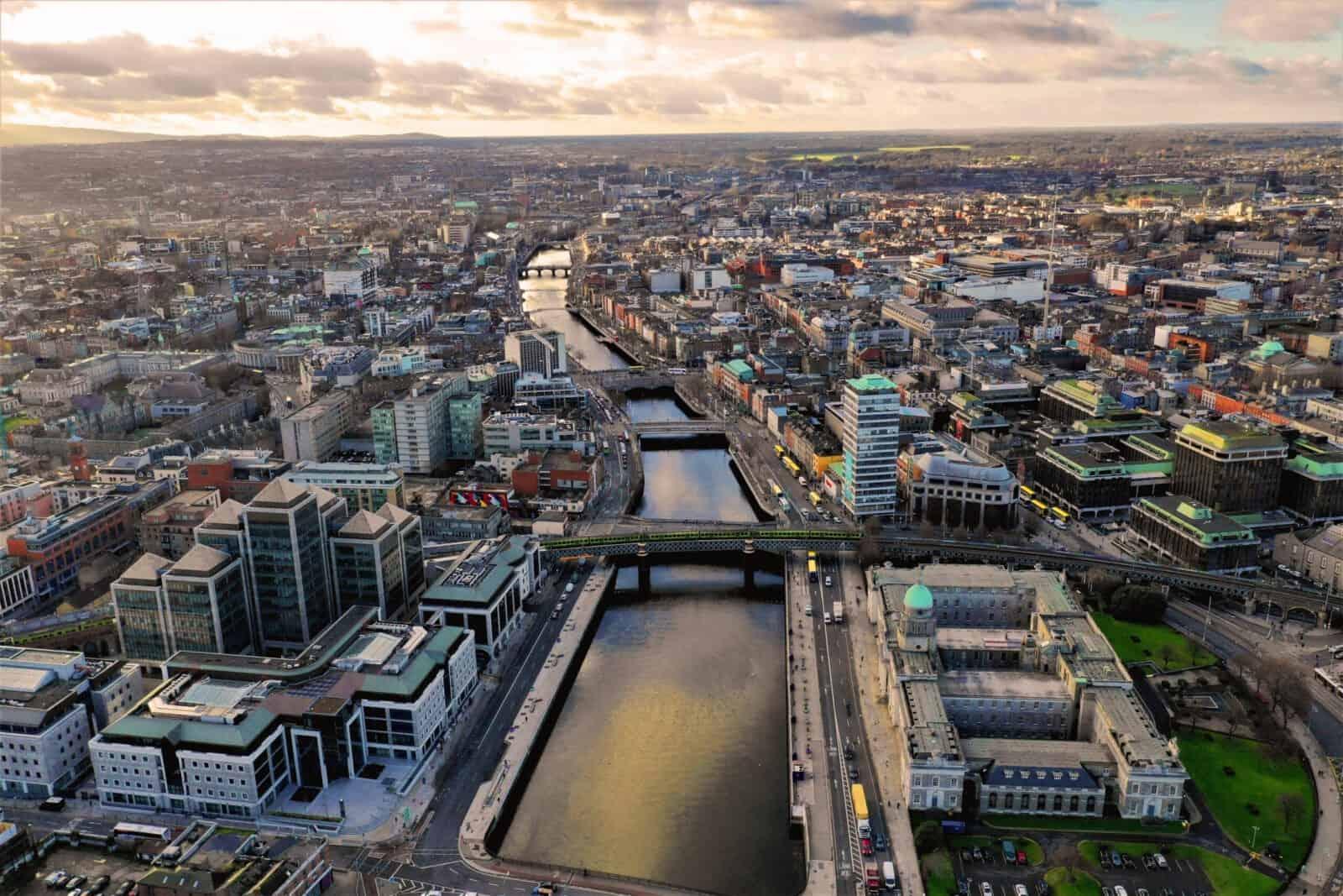 דבלין - בירת העסקים של אירלנד